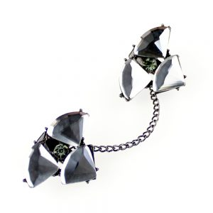 fermoir petales noir 2